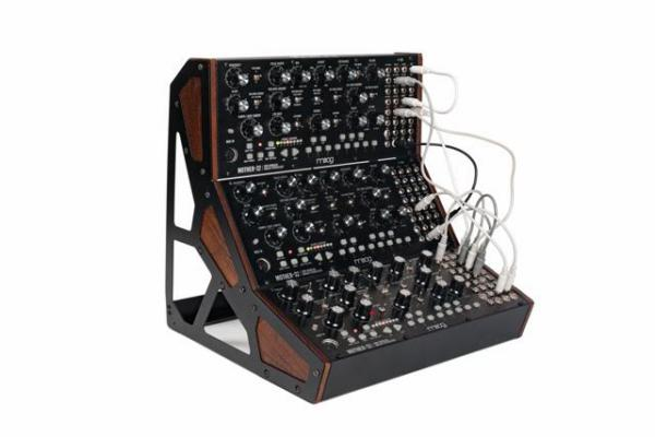 Rack de estudio Moog Mother-32 Three Tier Rack Kit